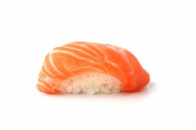 【閲覧注意】サーモンの寿司にそっくりな生物の正体は?大きさや飼育方法まとめ!